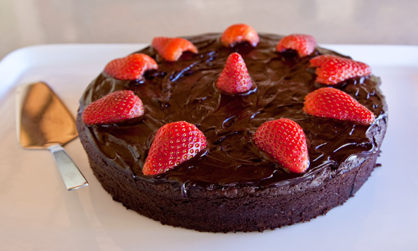 Cook Yourself Thin Chocolate And Beetroot Cake